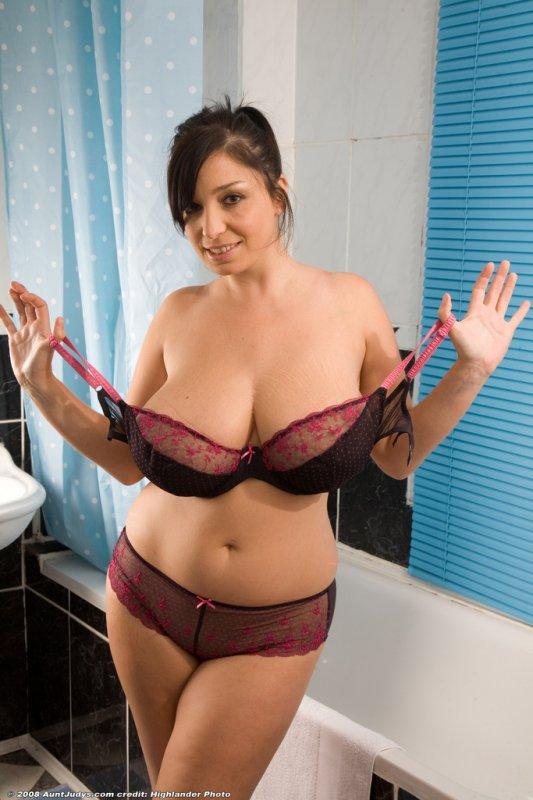 stripping Chubby mom